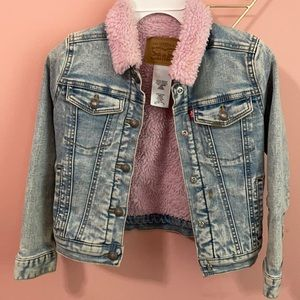 Levis girls jean jacket with pink like sherpa